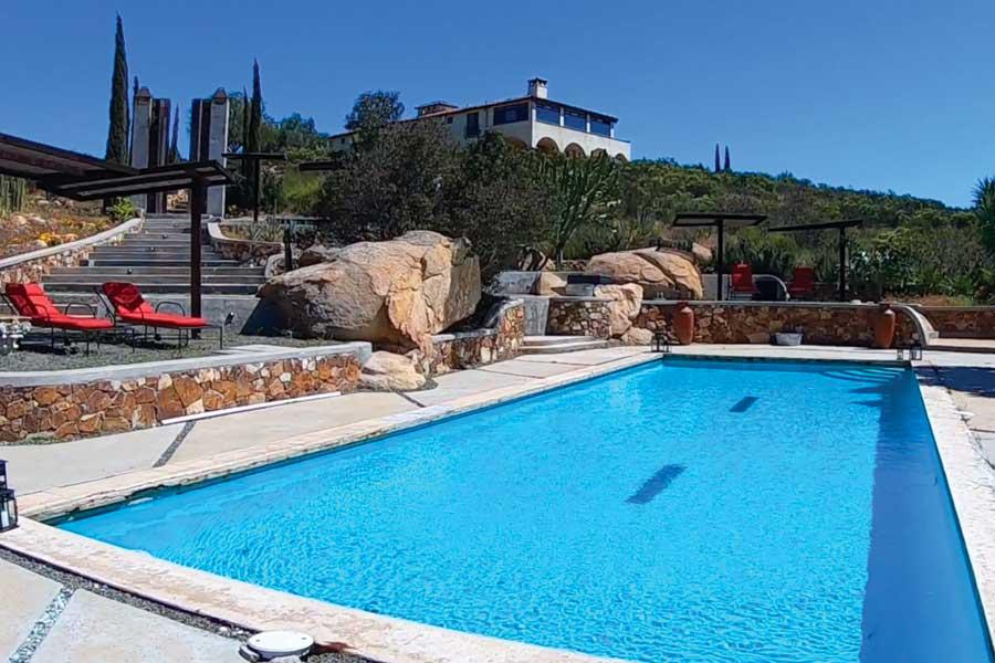Villa del Valle hotel Valle de Guadalupe pool